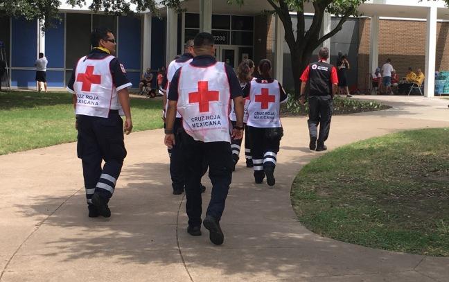 Cruz Roja arriving at shelter in TX