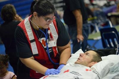 vol nurse checking patients